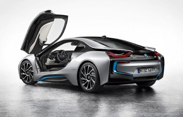 i8 > 3dr Coupe